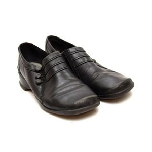 Clarks Loafers Shoes Slip On Button Accent Leather